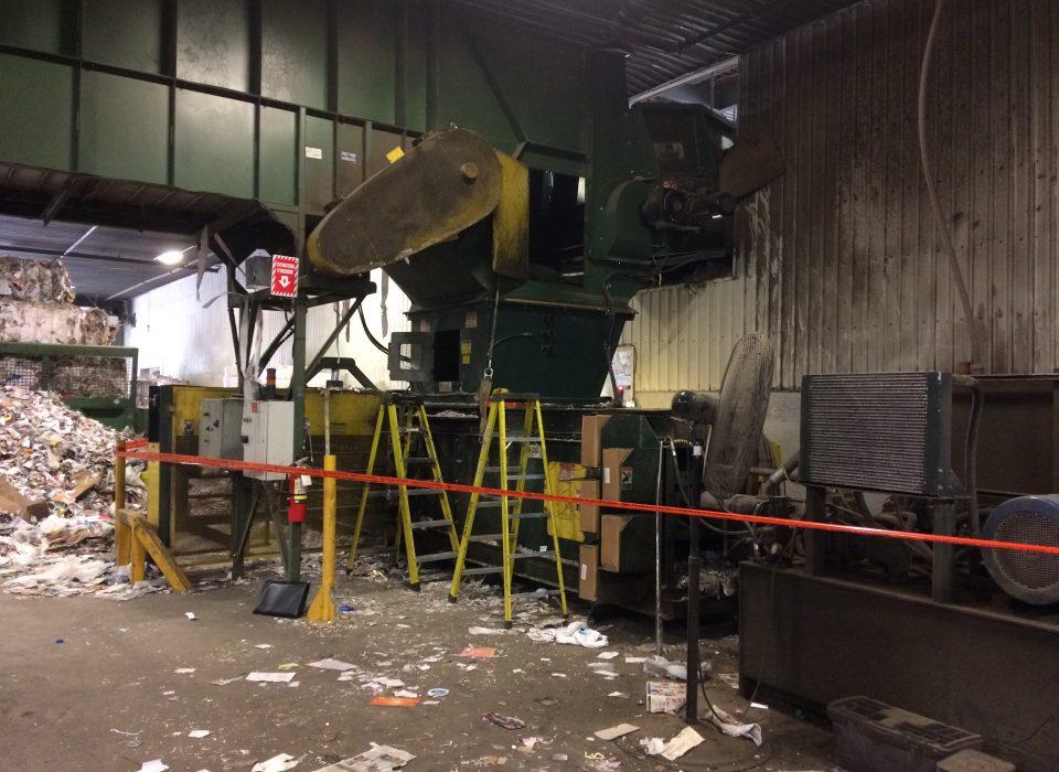 Travailleur de l'entreprise Récupéraction Centre-du-Québec écrasé mortellement dans une presse qu'il tentait de débloquer
